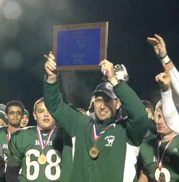 Hornets win D4 Football Championship!