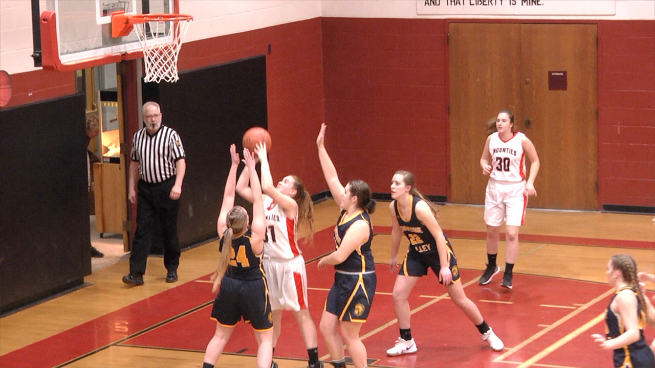Lady Indians top Lady Mounties, 60-32