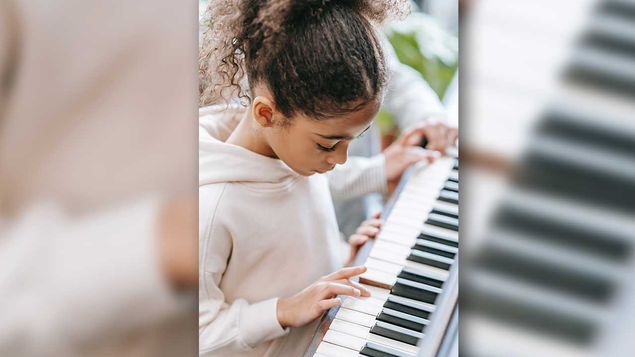 Don Gill Elementary School Adds Keyboard Lessons To Curriculum