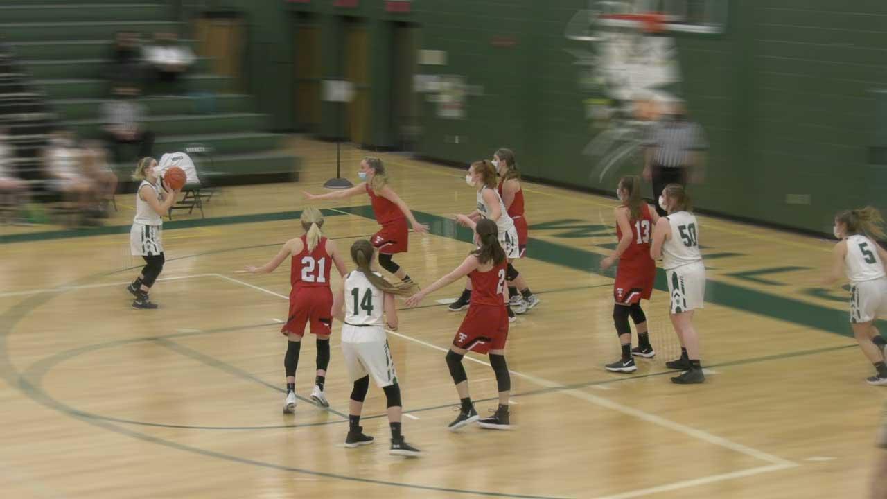 Lady Hornets Win On Senior Night